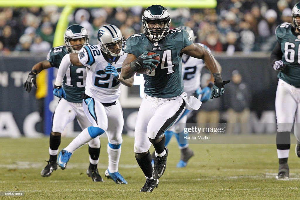 Running back Bryce Brown #34 of the Philadelphia Eagles runs for a touchdown during a game against the Carolina Panthers on November 26, 2012 at Lincoln Financial Field in Philadelphia, Pennsylvania. The Panthers won 30-22.