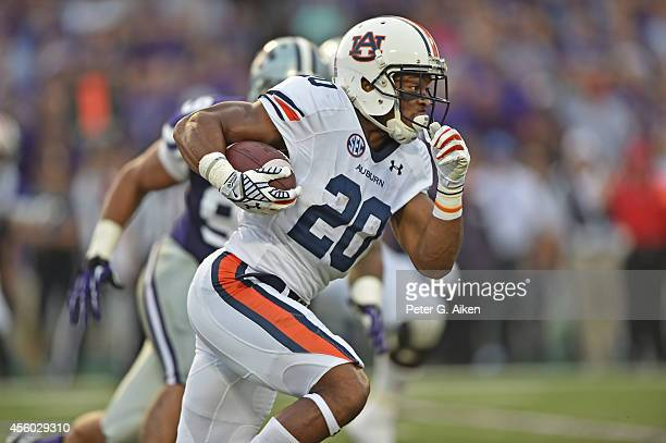 Running back Corey Grant of the Auburn Tigers rushes up field against of the Kansas State Wildcats during the first half on September 18 2014 at Bill...
