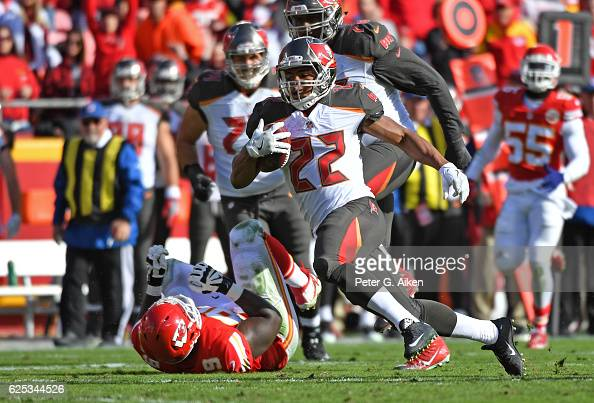 Running back Doug Martin of the Tampa Bay Buccaneers rushes up field against the Kansas City Chiefs during the first half on November 20 2016 at...