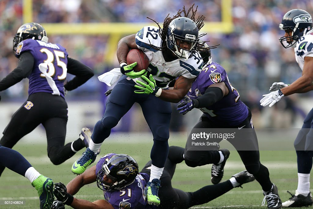 Running back <a gi-track='captionPersonalityLinkClicked' href=/galleries/search?phrase=DuJuan+Harris&family=editorial&specificpeople=5547092 ng-click='$event.stopPropagation()'>DuJuan Harris</a> #32 of the Seattle Seahawks carries the ball against linebacker <a gi-track='captionPersonalityLinkClicked' href=/galleries/search?phrase=Zach+Orr&family=editorial&specificpeople=11390161 ng-click='$event.stopPropagation()'>Zach Orr</a> #54 and inside linebacker <a gi-track='captionPersonalityLinkClicked' href=/galleries/search?phrase=Daryl+Smith&family=editorial&specificpeople=2097172 ng-click='$event.stopPropagation()'>Daryl Smith</a> #51 of the Baltimore Ravens in the third quarter at M&T Bank Stadium on December 13, 2015 in Baltimore, Maryland.