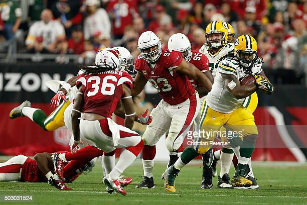 Running back Eddie Lacy of the Green Bay Packers rushes the football against the Arizona Cardinals during the NFL game at the University of Phoenix...