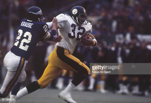 Running back Franco Harris of the Pittsburgh Steelers runs for yards during Super Bowl IX against the Minnesota Vikings at Tulane Stadium on January...