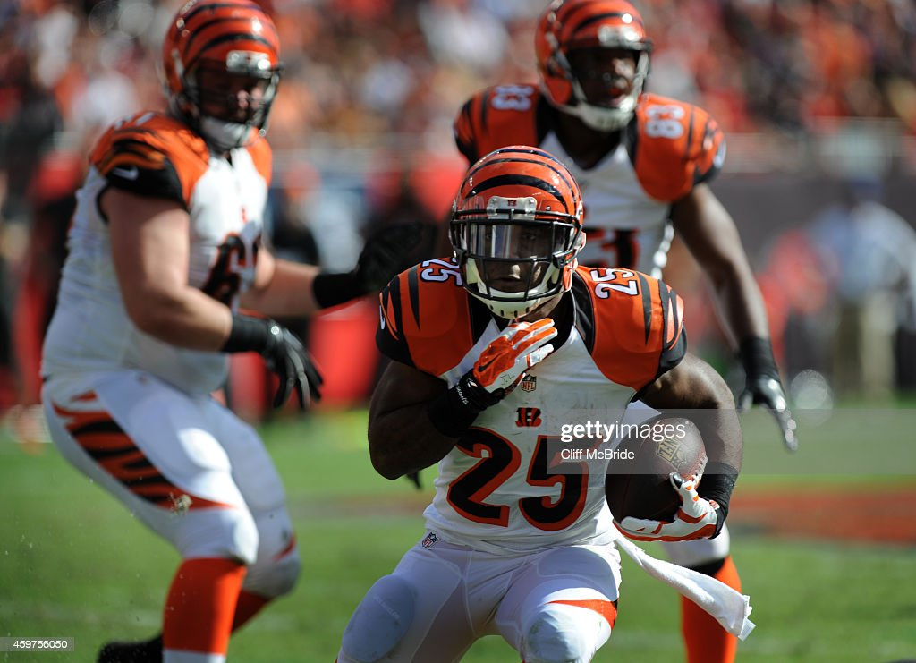 Running back Giovani Bernard of the Cincinnati Bengals carries the ball against the Tampa Bay Buccaneers in the 3rd quarter at Raymond James Stadium...