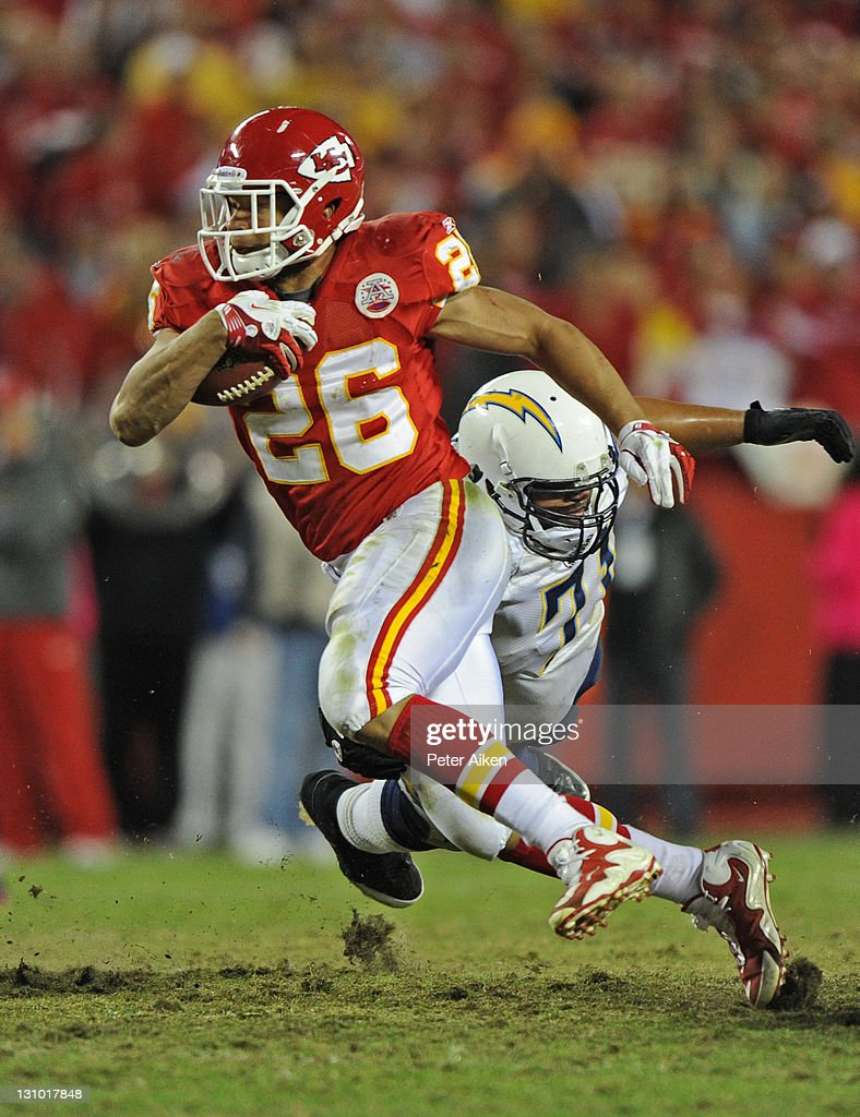 Running back <a gi-track='captionPersonalityLinkClicked' href=/galleries/search?phrase=Jackie+Battle&family=editorial&specificpeople=2852926 ng-click='$event.stopPropagation()'>Jackie Battle</a> #26 of the Kansas City Chiefs rushes up field against the San Diego Chargers during overtime on October 31, 2011 at Arrowhead Stadium in Kansas City, Missouri. The Chiefs defeated the Chargers 23-20 in overtime.