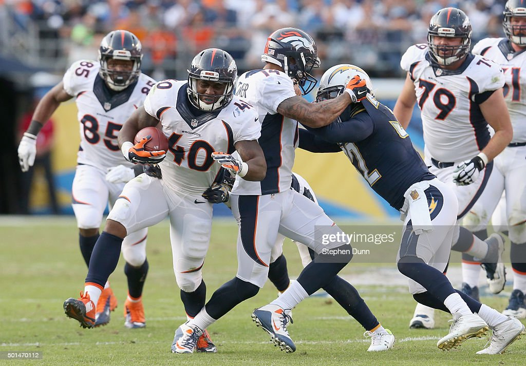Running back <a gi-track='captionPersonalityLinkClicked' href=/galleries/search?phrase=Juwan+Thompson&family=editorial&specificpeople=7210888 ng-click='$event.stopPropagation()'>Juwan Thompson</a> #40 of the Denver Broncos carries the ball against the San Diego Chargers at Qualcomm Stadium on December 6, 2015 in San Diego, California. The Broncos won 17-3.