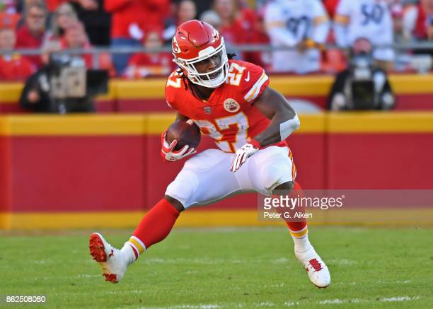 Running back Kareem Hunt of the Kansas City Chiefs runs up field against the Pittsburgh Steelers during the second half on October 15 2017 at...