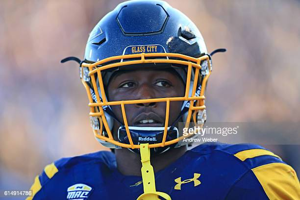 Running back Kareem Hunt of the Toledo Rockets on the sidelines against Bowling Green Falcons at Glass Bowl on October 15 2016 in Toledo Ohio