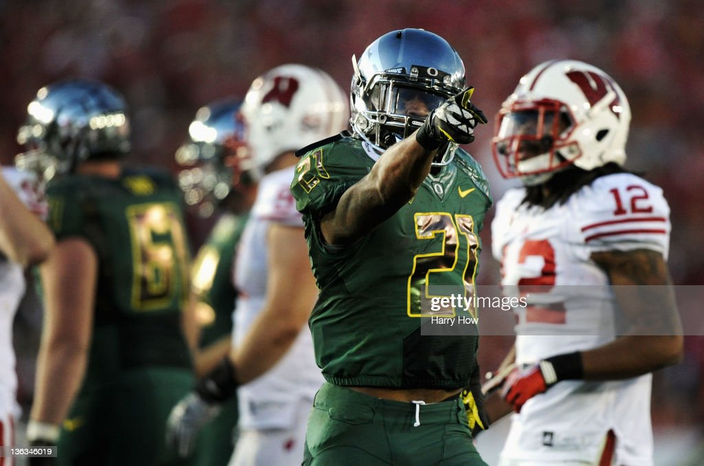 Running back LaMichael James #21 of the Oregon Ducks reacts in the second half against the Wisconsin Badgers at the 98th Rose Bowl Game on January 2, 2012 in Pasadena, California.