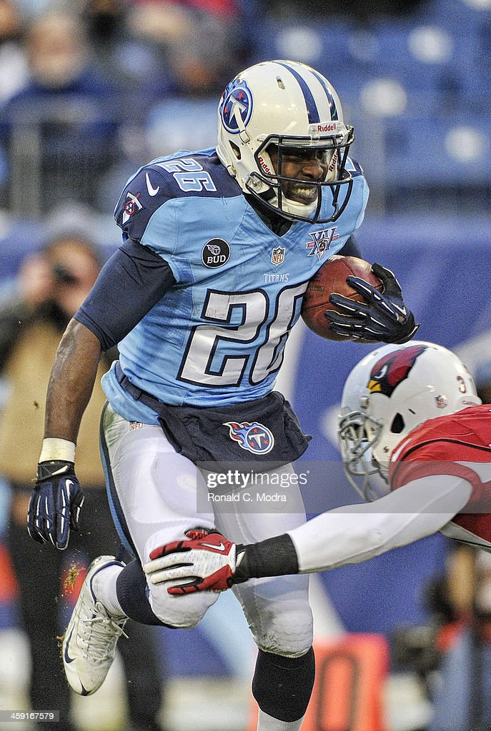 Running back Leon Washington of the Tennessee Titans carries the ball during a NFL game against the Arizona Cardinals at LP Field on December 15 2013...