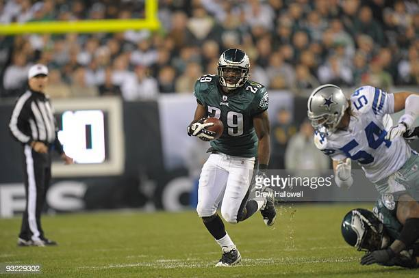 Running back LeSean McCoy of the Philadelphia Eagles runs the ball during the game against the Dallas Cowboys on November 8 2009 at Lincoln Financial...