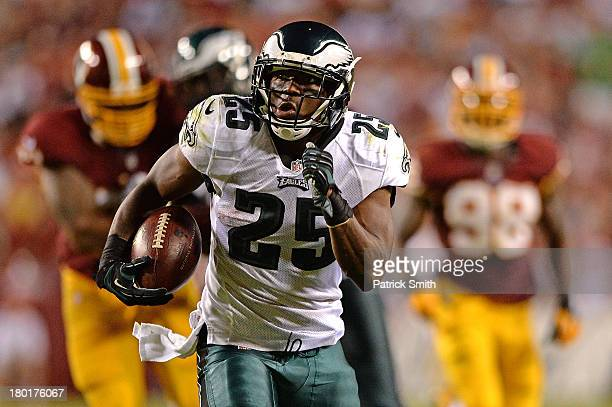 Running back LeSean McCoy of the Philadelphia Eagles rushes for a touchdown against the Washington Redskins in the third quarter at FedExField on...