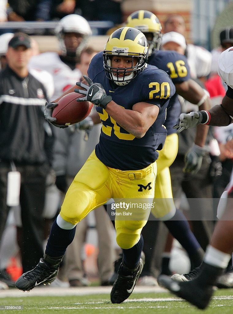 Running back Mike Hart #20 of the Michigan Wolverines during the NCAA game against the Ball State Cardinals on November 4, 2006 at Michigan Stadium in Ann Arbor, Michigan. Michigan won 34-26.