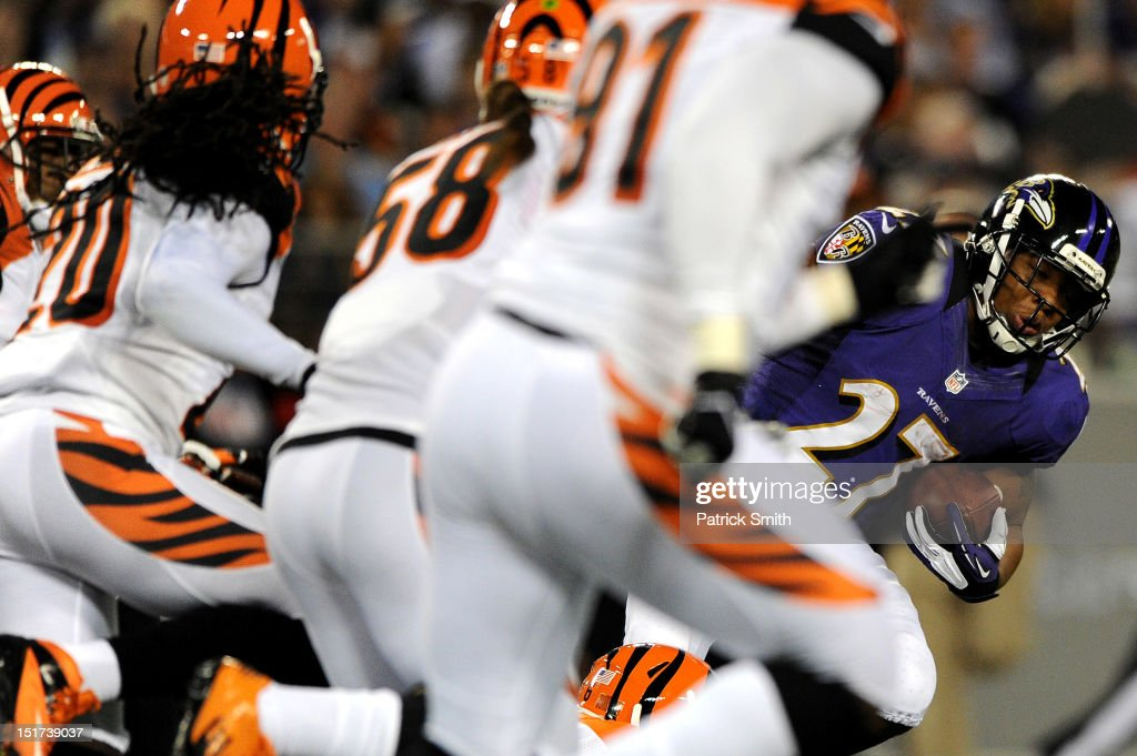 Running back <a gi-track='captionPersonalityLinkClicked' href=/galleries/search?phrase=Ray+Rice&family=editorial&specificpeople=3980395 ng-click='$event.stopPropagation()'>Ray Rice</a> #27 of the Baltimore Ravens rushes against the Cincinnati Bengals in the first quarter at M&T Bank Stadium on September 10, 2012 in Baltimore, Maryland.
