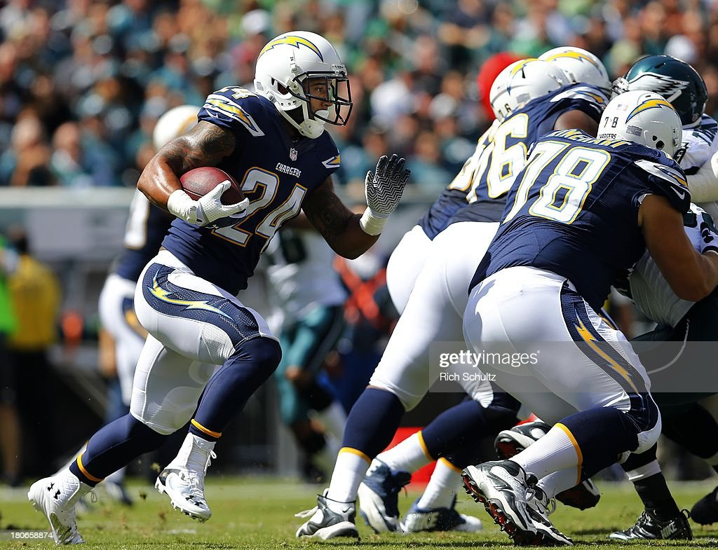 Running back <a gi-track='captionPersonalityLinkClicked' href=/galleries/search?phrase=Ryan+Mathews+-+American+Football+Player&family=editorial&specificpeople=2082832 ng-click='$event.stopPropagation()'>Ryan Mathews</a> #24 of the San Diego Chargers looks for an opening during a game against the Philadelphia Eagles at Lincoln Financial Field on September 15, 2013 in Philadelphia, Pennsylvania. The Chargers defeated the eagles 33-30.