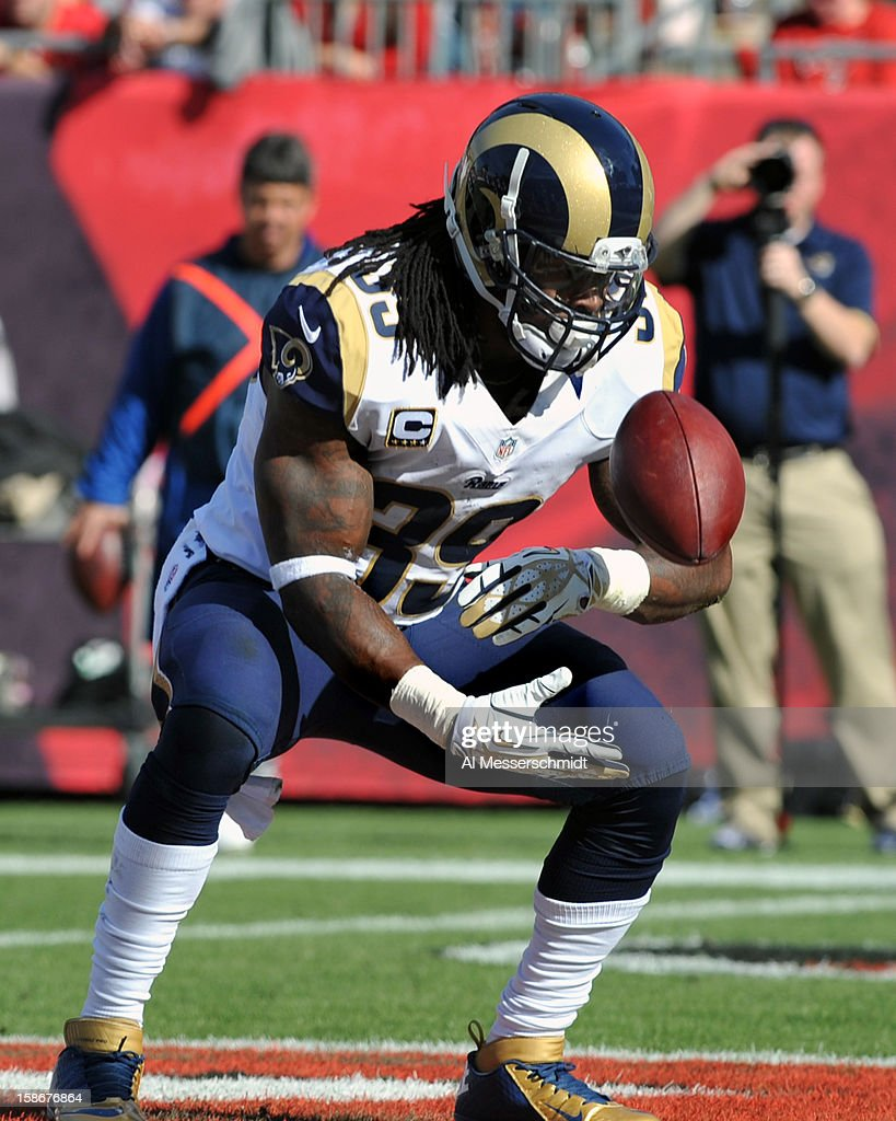 Running back <a gi-track='captionPersonalityLinkClicked' href=/galleries/search?phrase=Steven+Jackson+-+American+Football+Player&family=editorial&specificpeople=15387688 ng-click='$event.stopPropagation()'>Steven Jackson</a> #39 of the St. Louis Rams celebrates afater a second-quarter touchdown run against the Tampa Bay Buccaneers December 23, 2012 at Raymond James Stadium in Tampa, Florida.