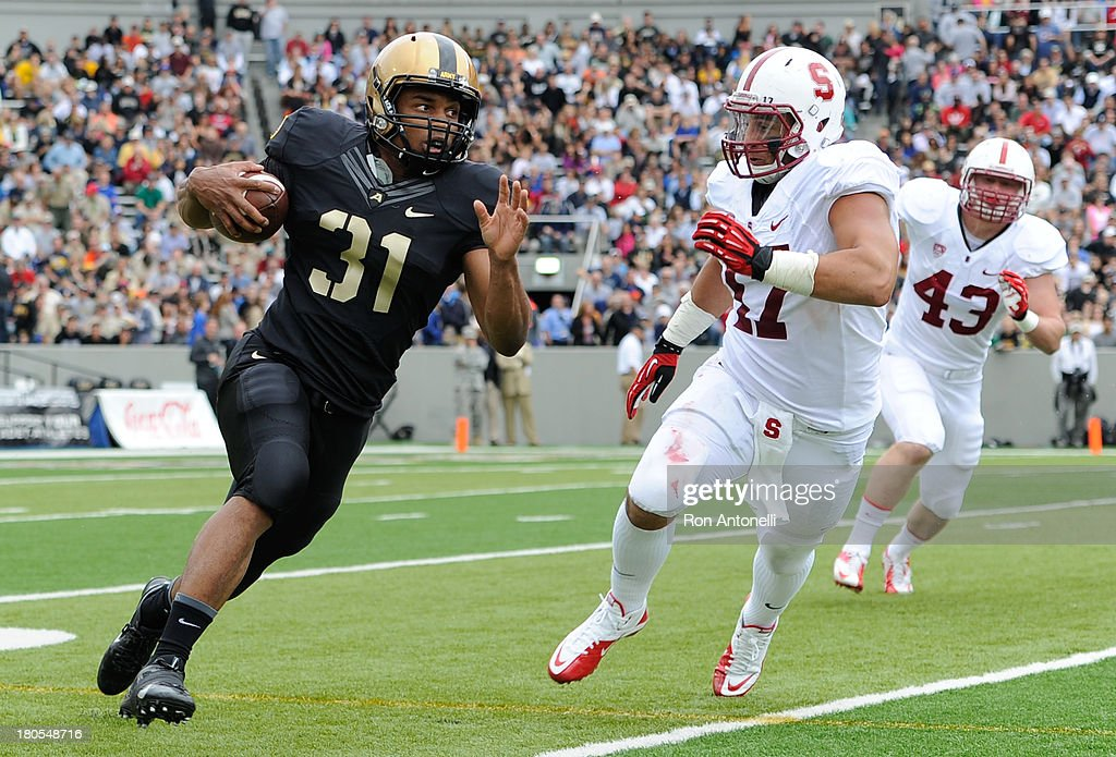 US Running back Terry Baggett #31 of Army carries the ball in the 1st half September 14, 2013 at Michie Stadium in West Point, New York. . Stanford defeated Army 24-20.