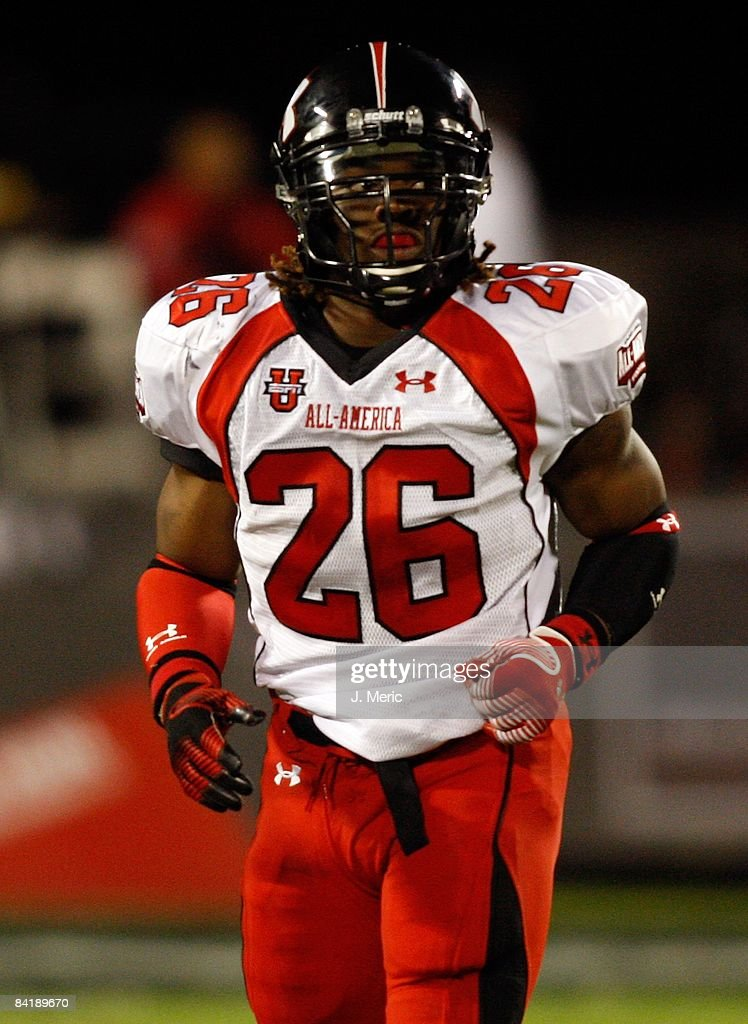 Running back Trent Richardson gets set for play during the All America Under Armour Football Game at the Florida Citrus Bowl on January 4 2009 in...