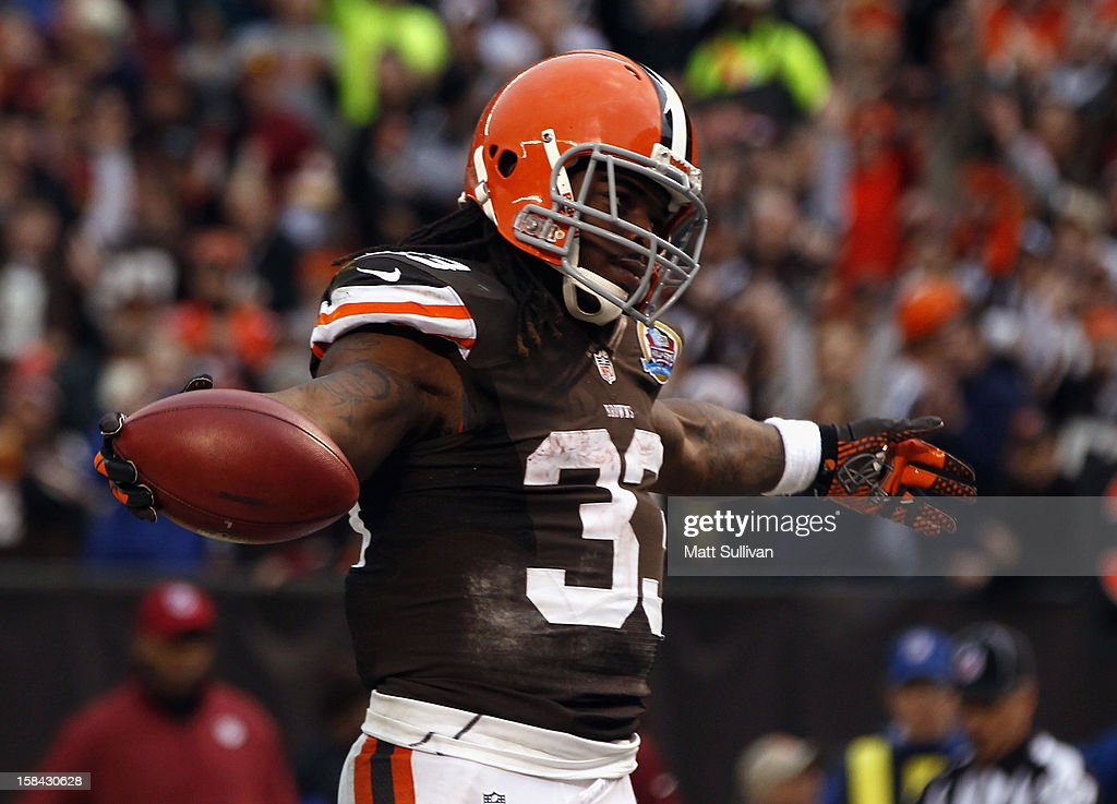 Running back Trent Richardson #33 of the Cleveland Browns celebrates after scoring a touchdown against the Washington Redskins at Cleveland Browns Stadium on December 16, 2012 in Cleveland, Ohio.