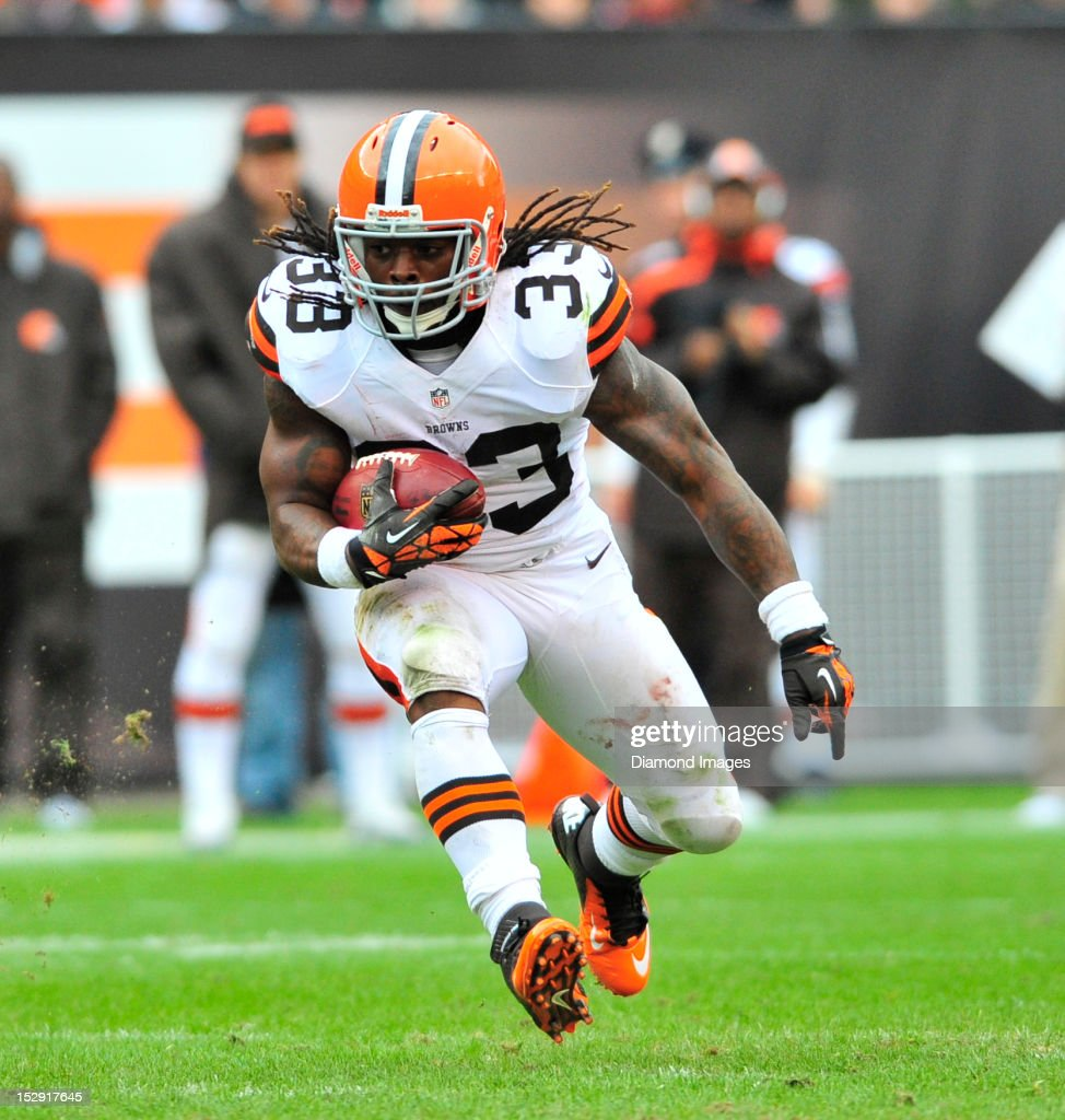 Running back Trent Richardson #33 of the Cleveland Browns runs the ball during a game with the Buffalo Bills at Cleveland Browns Stadium in Cleveland, Ohio. The Bill won 24-14.