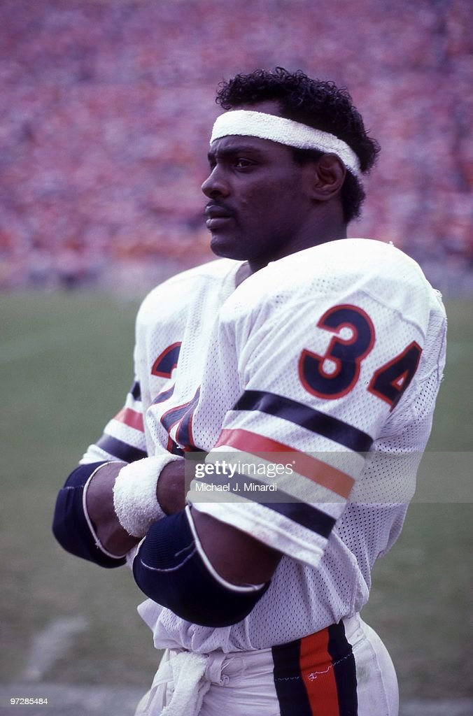 Running back <a gi-track='captionPersonalityLinkClicked' href=/galleries/search?phrase=Walter+Payton&family=editorial&specificpeople=216517 ng-click='$event.stopPropagation()'>Walter Payton</a> #34 of the Chicago Bears looks on from the side line area during their NFL game against the Tampa Bay Buccaneers at Tampa Stadium on November 20, 1983 in Tampa, Florida. The Bears defeated the Buccaneers 27 - 0.