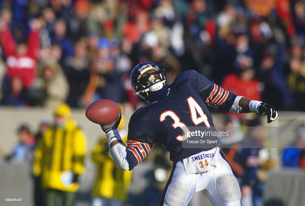 Running back <a gi-track='captionPersonalityLinkClicked' href=/galleries/search?phrase=Walter+Payton&family=editorial&specificpeople=216517 ng-click='$event.stopPropagation()'>Walter Payton</a> #34 of the Chicago Bears reacts after a play against the Seattle Seahawks during an NFL football game December 20, 1987 at Soldier Field in Chicago, Illinois. Payton played for the Bears from 1975-87.