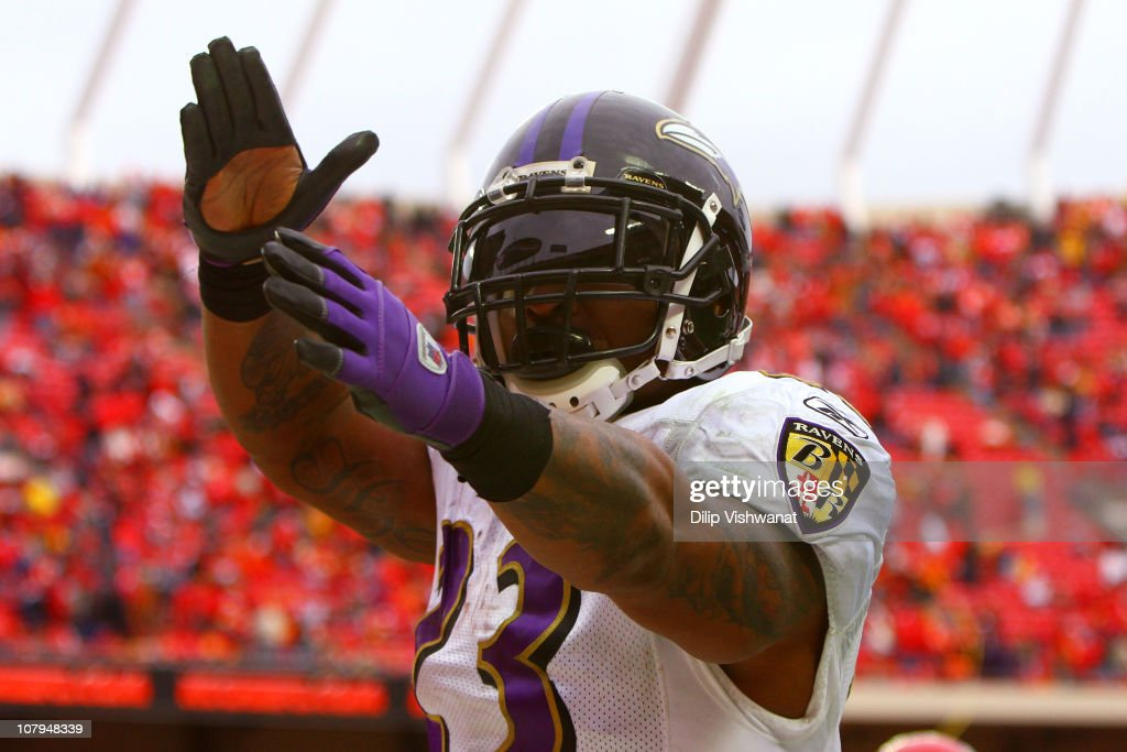 Running back <a gi-track='captionPersonalityLinkClicked' href=/galleries/search?phrase=Willis+McGahee&family=editorial&specificpeople=202895 ng-click='$event.stopPropagation()'>Willis McGahee</a> #23 of the Baltimore Ravens celebrates after scoring a touchdown in the fourth quarter of the 2011 AFC wild card playoff game against the Kansas City Chiefs at Arrowhead Stadium on January 9, 2011 in Kansas City, Missouri.