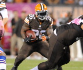 Running back Willis McGahee of the Cleveland Browns runs the football during a game against the Buffalo Bills at FirstEnergy Stadium in Cleveland...