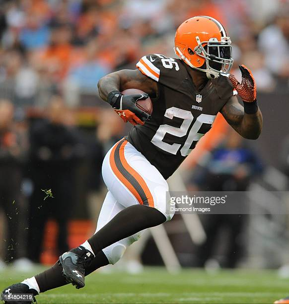 Running back Willis McGahee of the Cleveland Browns runs the football during a game against the Detroit Lions at FirstEnergy Stadium in Cleveland...