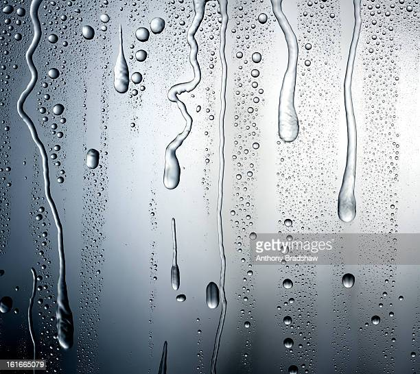 Running droplets of condensation
