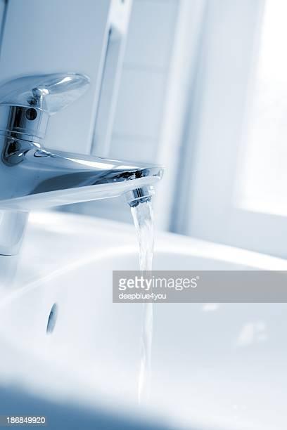 Grifo de funcionamiento suave se centró en el baño
