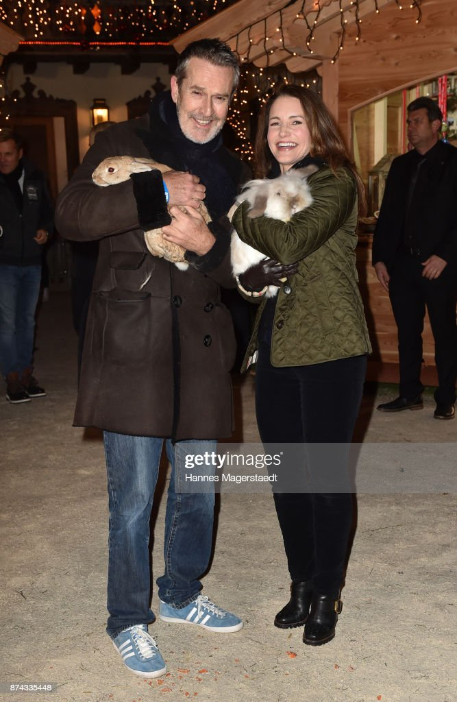 Rupert Everett and Kristin Davis during the Gut Aiderbichl Christmas Market opening on November 14, 2017 in Henndorf am Wallersee, Austria.