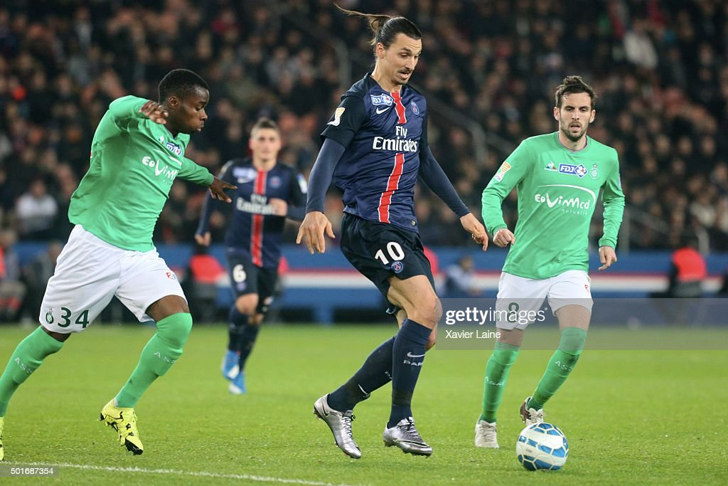 Ruppert-Nathan Dekoke #34 and Benjamin Corgnet #8 of AS Saint Etienne in action with Zlatan Ibrahimovic of Paris Saint-Germain during the French League Cup between Paris Saint-Germain and AS Saint Etienne at Parc Des Princes on december 16, 2015 in Paris, France.