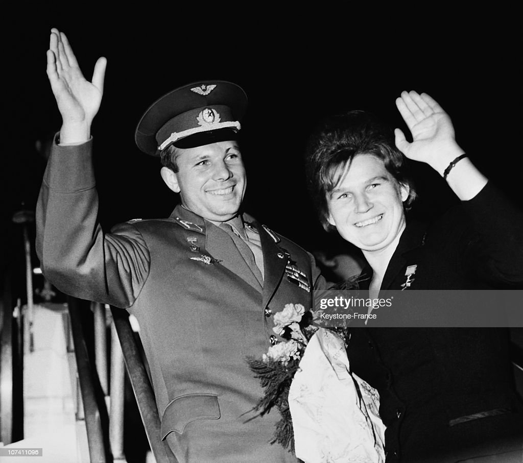 Rusian cosmonauts <a gi-track='captionPersonalityLinkClicked' href=/galleries/search?phrase=Valentina+Tereshkova&family=editorial&specificpeople=906013 ng-click='$event.stopPropagation()'>Valentina Tereshkova</a> And <a gi-track='captionPersonalityLinkClicked' href=/galleries/search?phrase=Yuri+Gagarin&family=editorial&specificpeople=94272 ng-click='$event.stopPropagation()'>Yuri Gagarin</a>, Soviet Union, circa 1965.