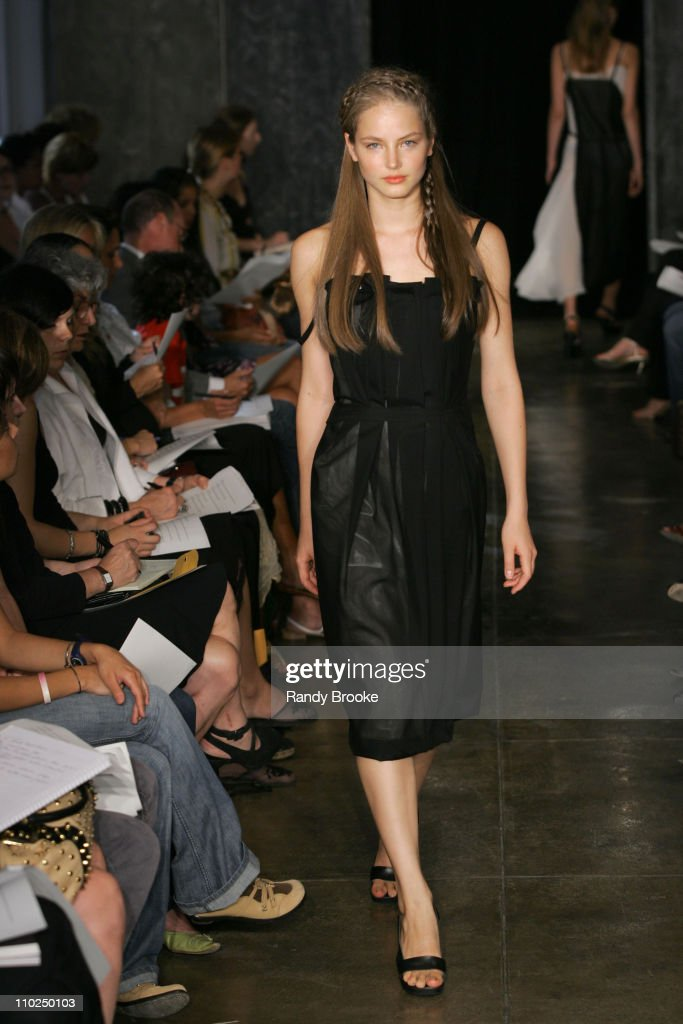 <a gi-track='captionPersonalityLinkClicked' href=/galleries/search?phrase=Ruslana&family=editorial&specificpeople=171840 ng-click='$event.stopPropagation()'>Ruslana</a> Korshunova wearing Naum Spring 2006 during Olympus Fashion Week Spring 2006 - Naum - Runway at 230 West 39th Street in New York City, New York, United States.