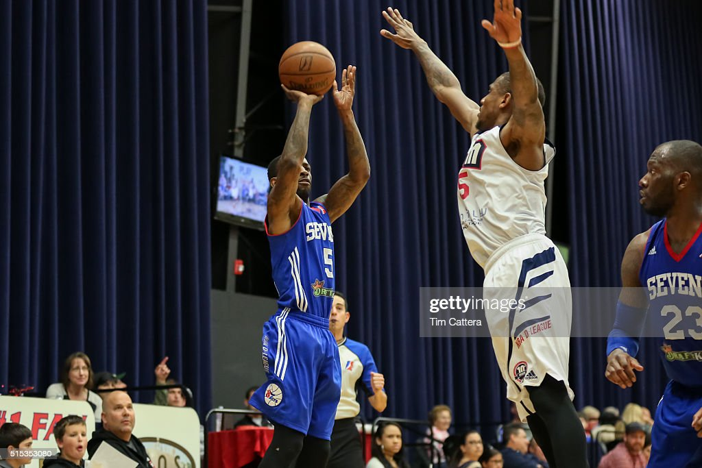<a gi-track='captionPersonalityLinkClicked' href=/galleries/search?phrase=Russ+Smith+-+Basketballer&family=editorial&specificpeople=10584261 ng-click='$event.stopPropagation()'>Russ Smith</a> #5 of the Delaware 87ers shoots a three pointer against the Bakersfield Jam during an NBA D-League game on March, 11 2016 at Dignity Health Center in Bakersfield, California.