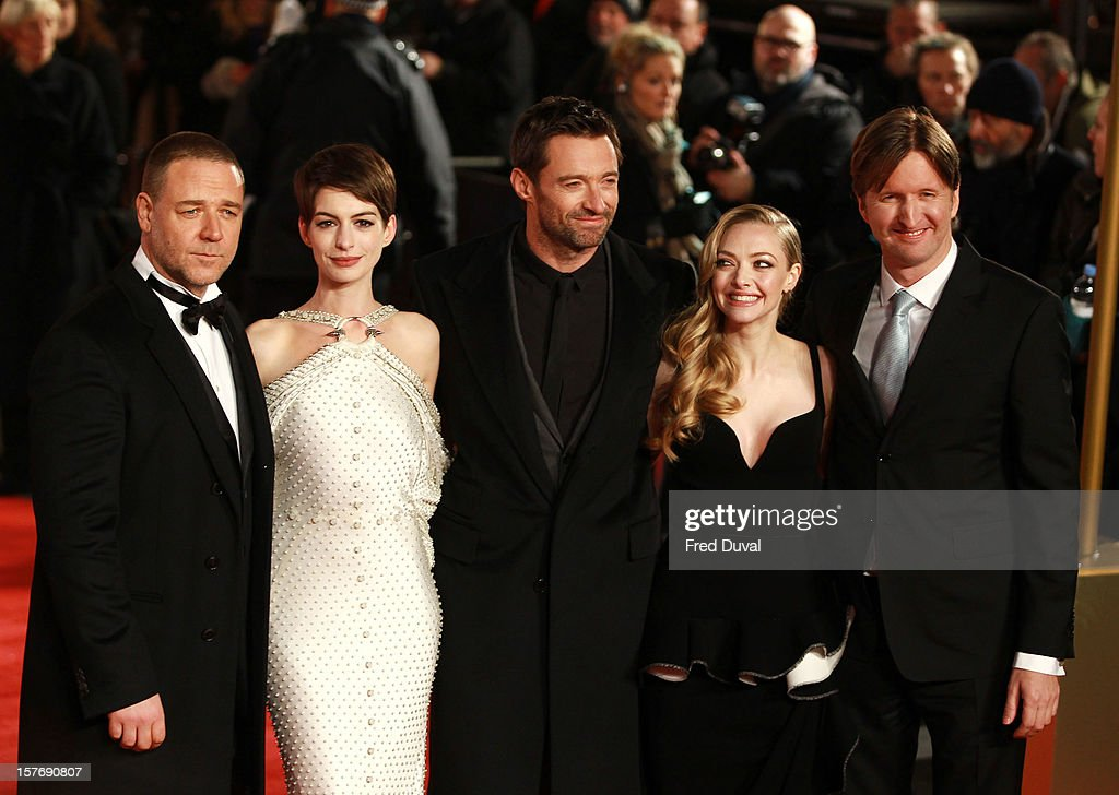 <a gi-track='captionPersonalityLinkClicked' href=/galleries/search?phrase=Russell+Crowe&family=editorial&specificpeople=202609 ng-click='$event.stopPropagation()'>Russell Crowe</a>, <a gi-track='captionPersonalityLinkClicked' href=/galleries/search?phrase=Anne+Hathaway+-+Sk%C3%A5despelerska&family=editorial&specificpeople=11647173 ng-click='$event.stopPropagation()'>Anne Hathaway</a>, <a gi-track='captionPersonalityLinkClicked' href=/galleries/search?phrase=Hugh+Jackman&family=editorial&specificpeople=202499 ng-click='$event.stopPropagation()'>Hugh Jackman</a>, <a gi-track='captionPersonalityLinkClicked' href=/galleries/search?phrase=Amanda+Seyfried&family=editorial&specificpeople=216619 ng-click='$event.stopPropagation()'>Amanda Seyfried</a> and <a gi-track='captionPersonalityLinkClicked' href=/galleries/search?phrase=Tom+Hooper&family=editorial&specificpeople=681836 ng-click='$event.stopPropagation()'>Tom Hooper</a> attend the world premiere of 'Les Miserables' at Odeon Leicester Square on December 5, 2012 in London, England.