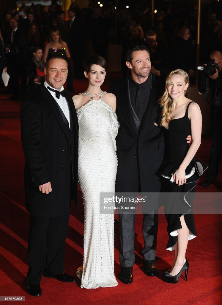 <a gi-track='captionPersonalityLinkClicked' href=/galleries/search?phrase=Russell+Crowe&family=editorial&specificpeople=202609 ng-click='$event.stopPropagation()'>Russell Crowe</a>, <a gi-track='captionPersonalityLinkClicked' href=/galleries/search?phrase=Anne+Hathaway+-+Sk%C3%A5despelerska&family=editorial&specificpeople=11647173 ng-click='$event.stopPropagation()'>Anne Hathaway</a>, <a gi-track='captionPersonalityLinkClicked' href=/galleries/search?phrase=Hugh+Jackman&family=editorial&specificpeople=202499 ng-click='$event.stopPropagation()'>Hugh Jackman</a> and <a gi-track='captionPersonalityLinkClicked' href=/galleries/search?phrase=Amanda+Seyfried&family=editorial&specificpeople=216619 ng-click='$event.stopPropagation()'>Amanda Seyfried</a> attend the World Premiere of 'Les Miserables' at Odeon Leicester Square on December 5, 2012 in London, England.