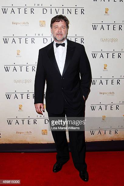 Russell Crowe arrives at the World Premier of 'The Water Diviner' at the State Theatre on December 2 2014 in Sydney Australia