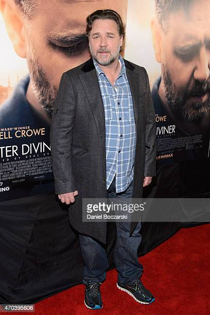 Russell Crowe attends a screening of 'The Water Diviner' at Kerasotes Showplace ICON on April 19 2015 in Chicago Illinois