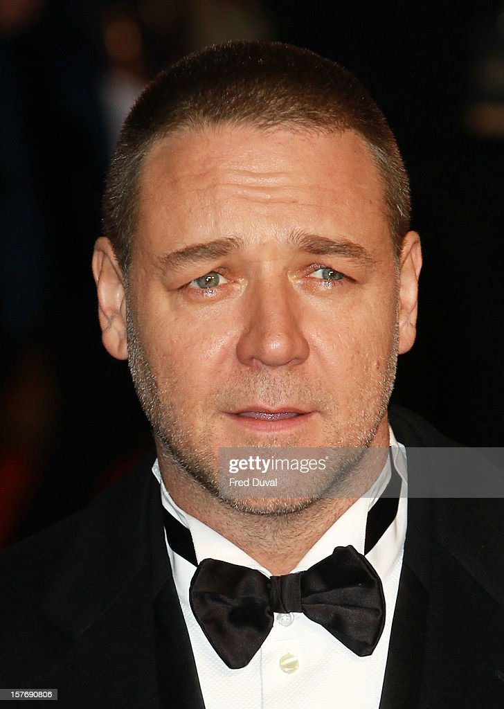 Russell Crowe attends the world premiere of 'Les Miserables' at Odeon Leicester Square on December 5, 2012 in London, England.