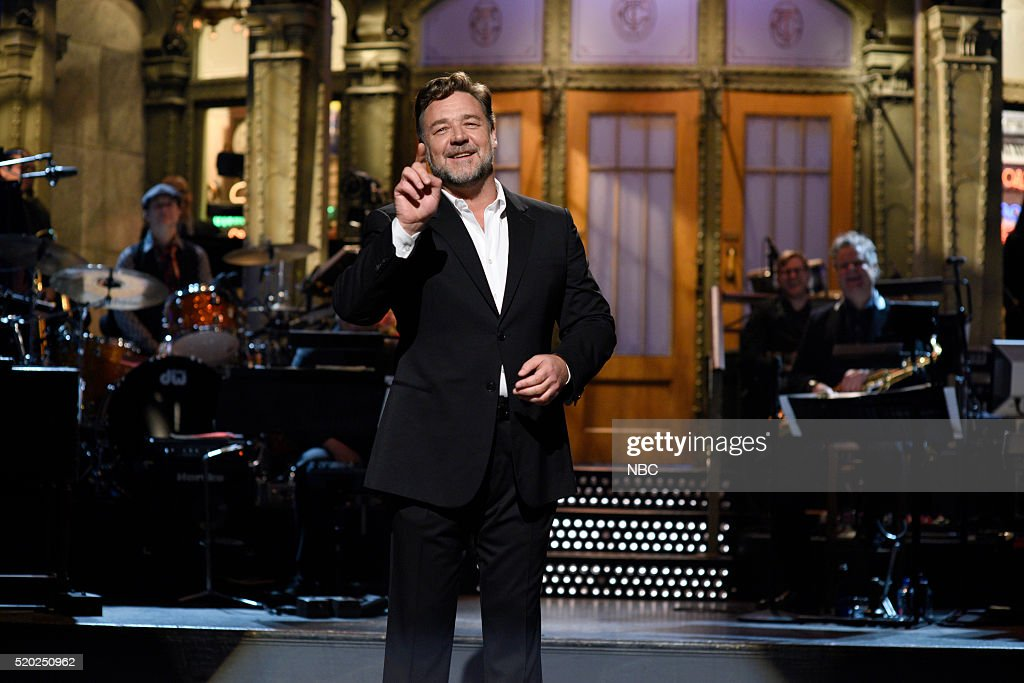 LIVE -- 'Russell Crowe' Episode 1700 -- Pictured: Host Russell Crowe during the monologue on April 9, 2016 --