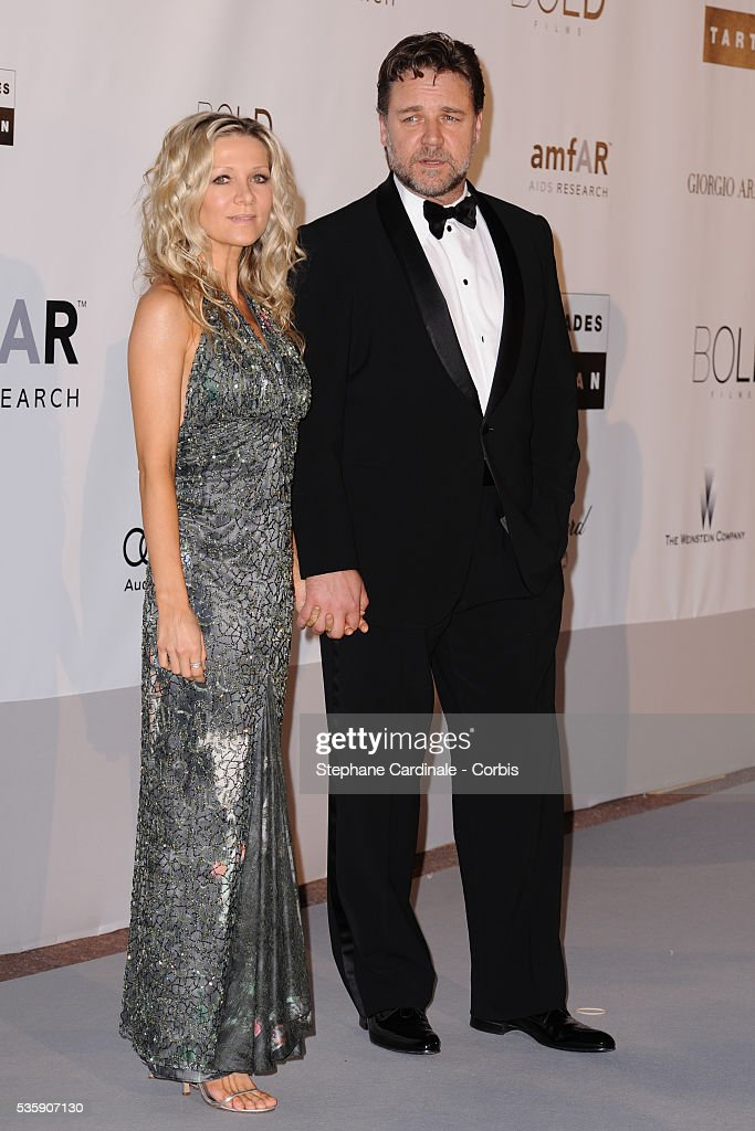 Russel Crowe with his Wife attends the '2010 amfAR's Cinema Against AIDS' Gala.