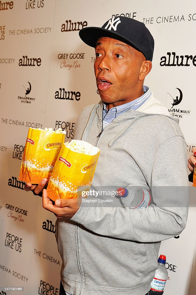 <a gi-track='captionPersonalityLinkClicked' href=/galleries/search?phrase=Russell+Simmons&family=editorial&specificpeople=202479 ng-click='$event.stopPropagation()'>Russell Simmons</a> (L) attends the Cinema Society with Linda Wells & Allure screening of DreamWorks Studios' 'People Like Us' at Clearview Chelsea Cinemas on June 25, 2012 in New York City.
