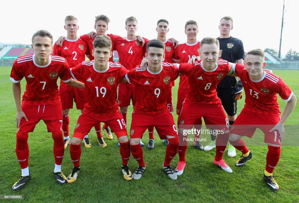 Russia team pose during the International Friendly match between Italy U18 and Russia U18 on October 4, 2017 in Castel di Sangro near Isernia, Italy.
