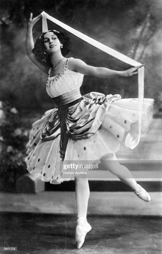Russian ballerina <a gi-track='captionPersonalityLinkClicked' href=/galleries/search?phrase=Anna+Pavlova+-+Ballet+Dancer&family=editorial&specificpeople=12866185 ng-click='$event.stopPropagation()'>Anna Pavlova</a> (1885 - 1931) dancing with a ribbon.