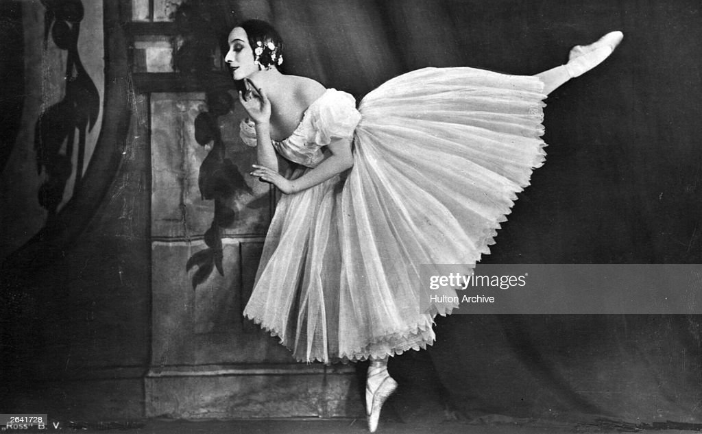Russian ballerina <a gi-track='captionPersonalityLinkClicked' href=/galleries/search?phrase=Anna+Pavlova+-+Ballet+Dancer&family=editorial&specificpeople=12866185 ng-click='$event.stopPropagation()'>Anna Pavlova</a> (1885 - 1931) perfroming in a production of 'Chopiniana' in New Zealand.