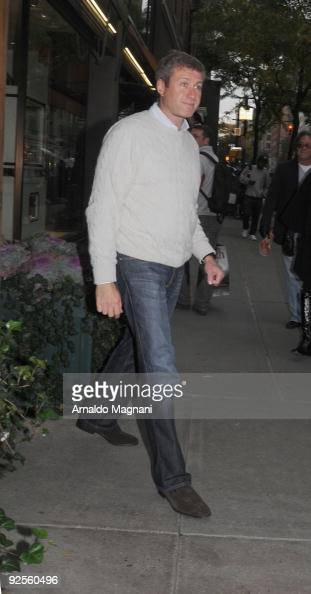 Russian billionaire Roman Abramovich appears after lunch at the restaurant Nello's on October 30 2009 in New York City