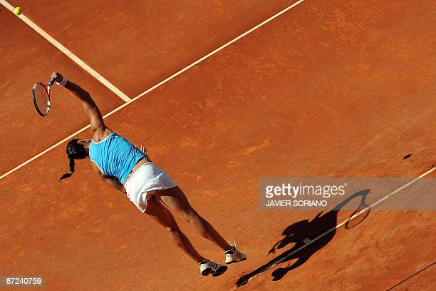 Russian Dinara Safina serves to her opponent Czech Lucie Safarova during the WTA Madrid Open claycourt tournament on May 14 2009AFP PHOTO/JAVIER...