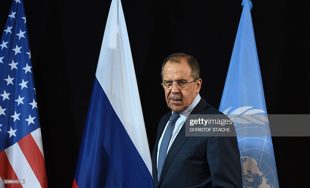 Russian Foreign Minister Sergei Lavrov arrives for a news conference after the International Syria Support Group (ISSG) meeting in Munich, southern Germany, on February 12, 2016. / AFP / Christof STACHE