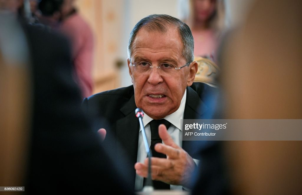 Russian Foreign Minister Sergei Lavrov speaks during a meeting with his Egyptian counterpart in Moscow on August 21, 2017. / AFP PHOTO / Alexander NEMENOV